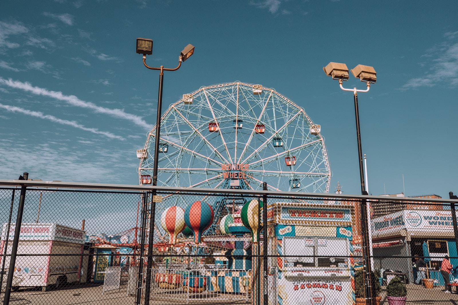 essentials-bring-to-amusement-park